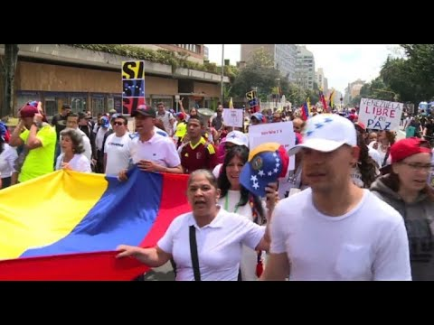 Venezuelan expats in Colombia march before opposition vote