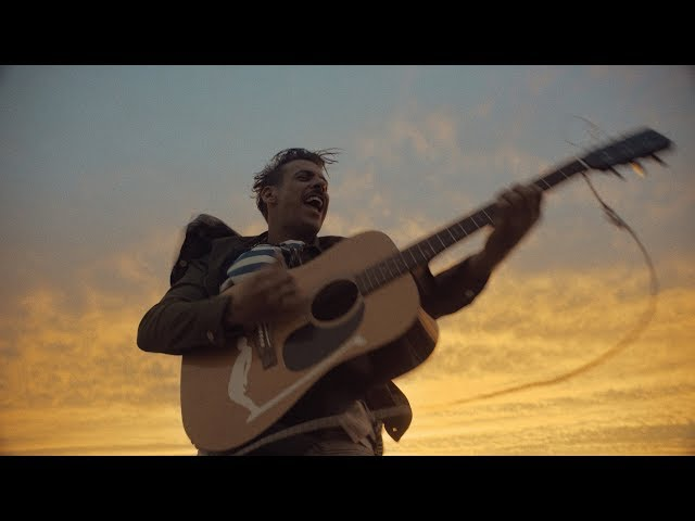 Francesco Gabbani - E' Un'Altra Cosa (Official Video)