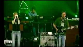 Beth Gibbons and Rustin Man - 'Funny Time of Year' (Live)