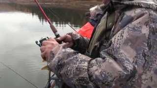 Супер окуневый клёв на спининг в отвеc на Братском водохранилище.Иркутск