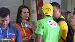 Chica queda enamorada de Neymar salida del entrenamiento Selección Brasil 2015