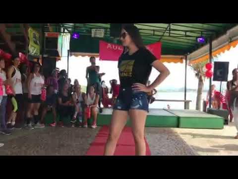 872aea14ec600 Desfile oticas diniz em Macaé - YouTube