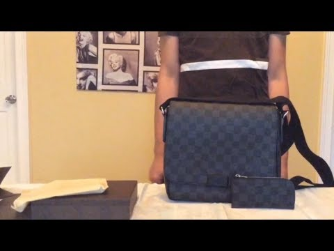 louis-vuitton-district-pm-damier-graphite-and-new-release-4-key-holder