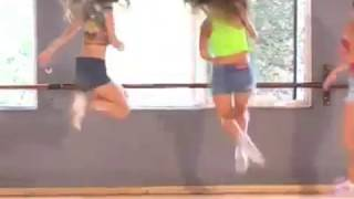 These girls show you how to dance to Meshuggah!