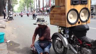 Đường tình đôi ngã - Âm nhạc đường phố