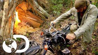 Joe hace fuego con las piezas de una motocicleta | Desafío x 2 | Discovery Latinoamérica