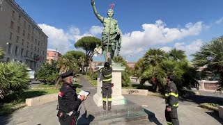 Napoli, via alla rimozione dei teschi di cartapesta da alcune statue