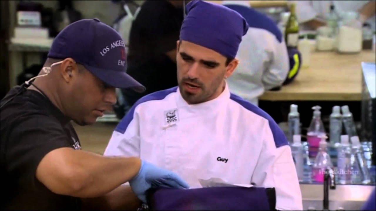 Hell S Kitchen Season 10 Episode 04 Guy Cuts Finger Youtube