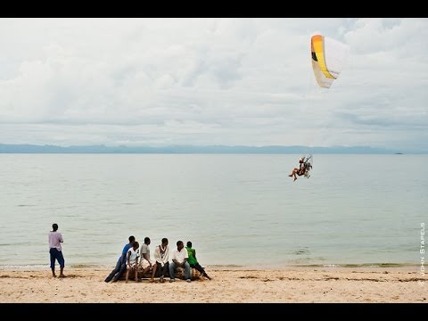 Paragliding | SEARCH Projects : Malawi. Waiting for the sun!