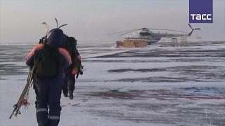 Обломки вертолета Robinson найдены на месте крушения(Вертолет Ми-8 обнаружил с воздуха предполагаемое место падения вертолета Robinson, пропавшего над Телецким..., 2017-02-13T15:24:47.000Z)