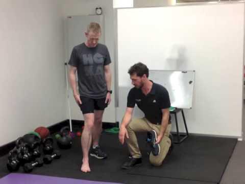 runners-knee-and-flat-feet.
