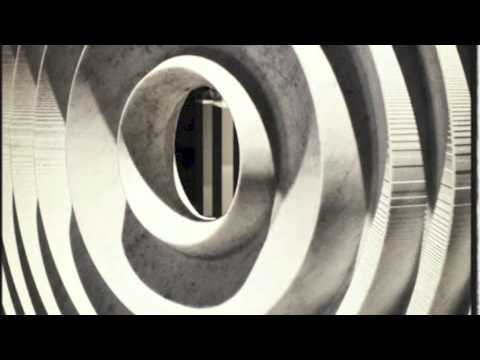 Schoenberg: Drei Klavierstücke, Op. 11 (Pollini) - YouTube