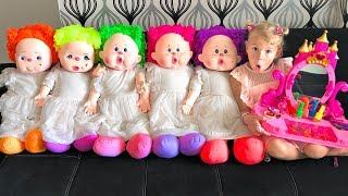 Mania plays with Dolls Dress up & Make up Toys Funny story for children by Vania Mania Kids