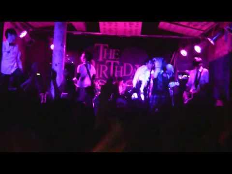 Клип The Birthday Massacre - Walking With Strangers (live)