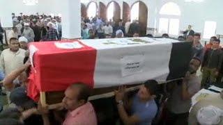 """مصر: تشييع 8 من عناصر الشرطة اثرهجوم نفذه تنظيم """"داعش""""في القاهرة"""