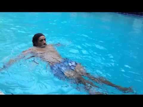 Mejores ejercicios para el abdomen en piscina javier for Ejercicios en la piscina