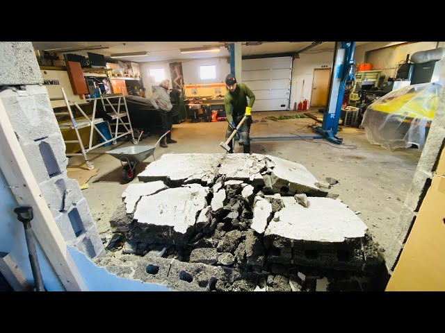 The wall is Down, and we have an opening from the workshop into the new Entrance - VLog124