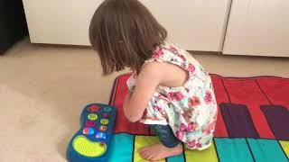 piano mat / Piano singing twinkle , twinkle little star