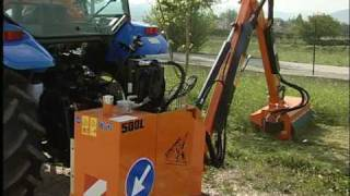 Maszyny i ciągniki komunalne - kosiarki wysięgnikowe bijakowe.