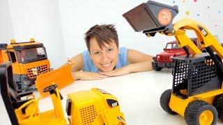 БОЛЬШИЕ машины ИГРЫ для детей в прятки с игрушечными машинками.(Играть с большими машинами можно совершенно по разному. Они не только умеют хорошо ездить и строить дома,..., 2016-06-29T03:47:51.000Z)