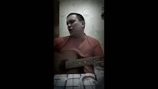 Парень классно поёт от души. Военная песня про Чечню