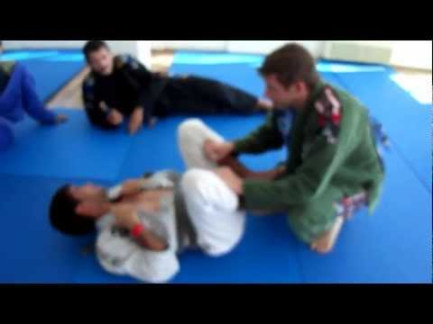 Black belt BJJ World Champion Felipe Costa challenge a blue belt and loses!