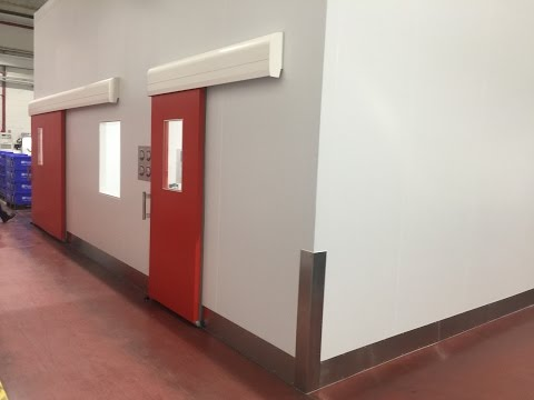 ISO Class 7 Modular Cleanroom installed in Ireland
