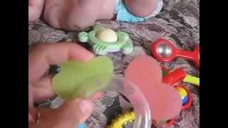 видео Когда ребенку можно давать погремушки