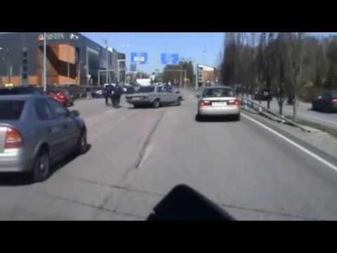 Police chasing a murderer in Itäväylä Helsinki, Finland 23.4.2014