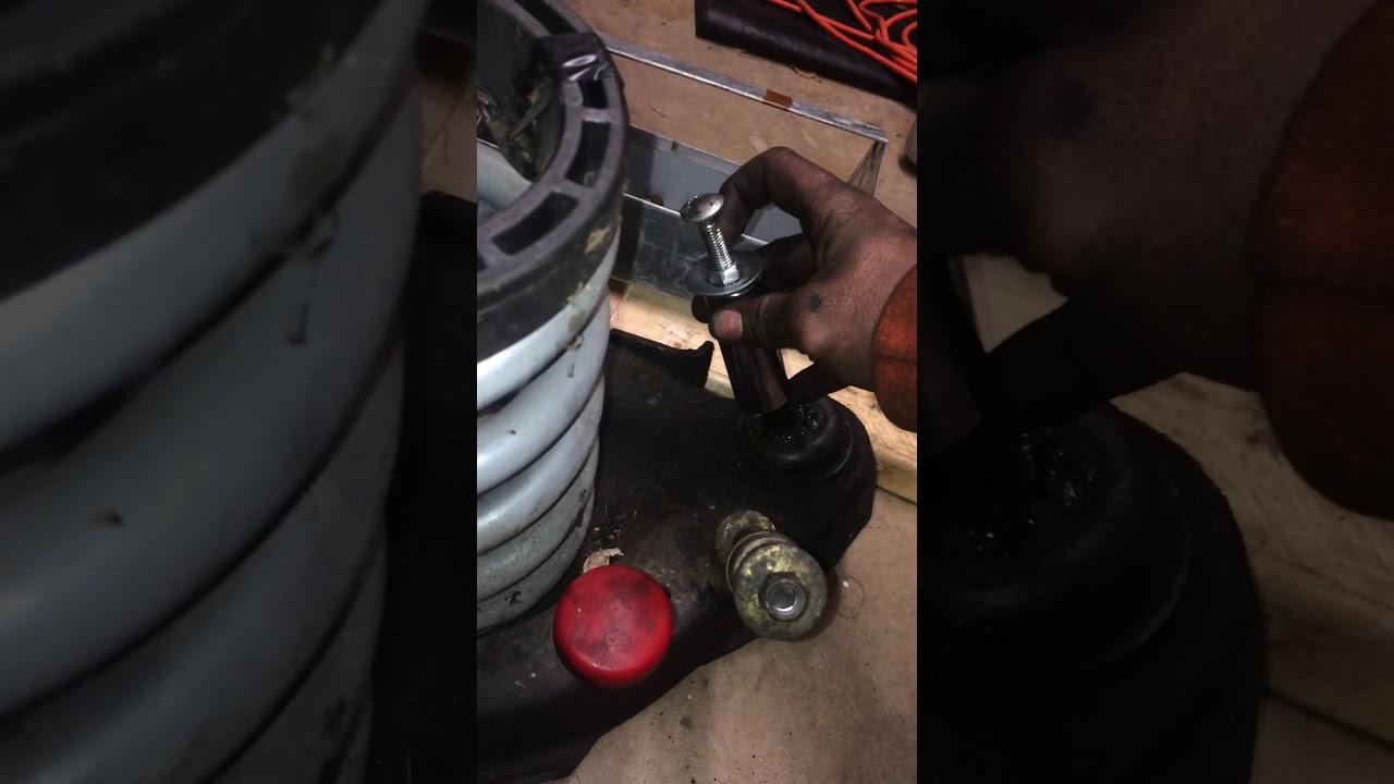 1987 s10 2.5L motor mount - YouTube