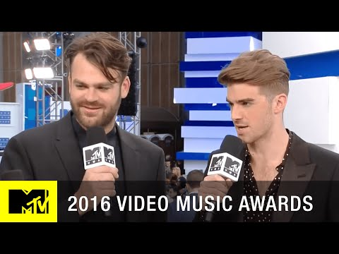 The Chainsmokers Performing at VMA 2016 | 2016...