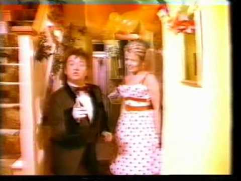Mel (Smith) & Kim (Wilde) Rockin' Around The Christmas Tree - YouTube