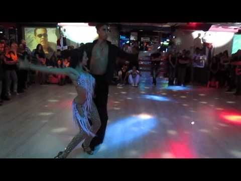 4 BERNARDINI DANCE ACADEMY    REBECCA e LORENZO alla DISCOTECA ANCORA MIAMI