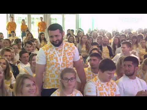 Вице-президент Сбербанка пишет революционную музыку?