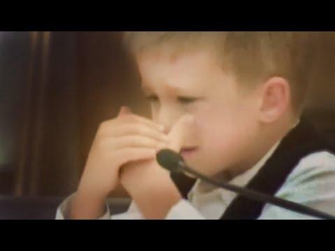 Este Niño cuenta cómo SU MADRE ACABÓ CON SU HERMANA   AMANDA LEWIS DOCUMENTAL