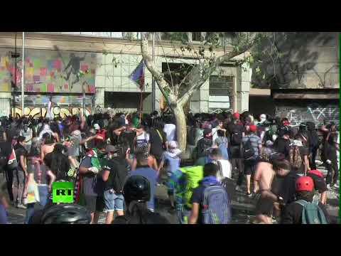 Chile: Choques entre manifestantes y la Policía en Santiago
