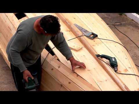Κατασκευάζοντας μία παραδοσιακή βάρκα