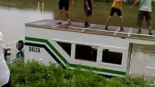 Krest lodi DELTA - jankovice :-) sekundu po oznameni jmena, hausbot morava
