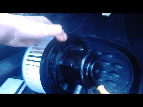 замена мотора печки мазда 3 чясть 2