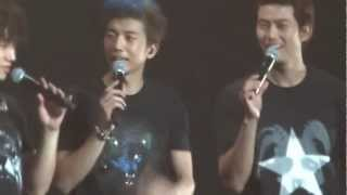 2PM Sang Satu-Satu Aku Sayang Ibu What Time Is It Concert Jakarta 8 Desember 2012