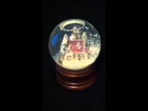 The San Francisco Music Box Company Snow Globe