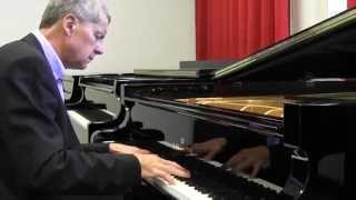 Piano Masterclass | A short Introduction to playing Arpeggios