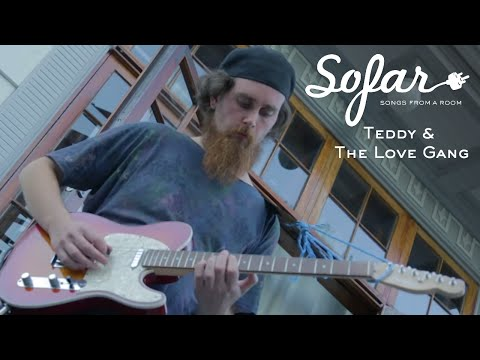 Teddy And The Love Gang - Lightyears Away | Sofar Oslo