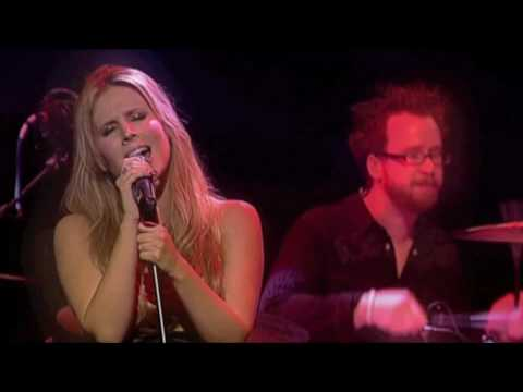 Lucie Silvas - Right Here (Live at Paradiso)