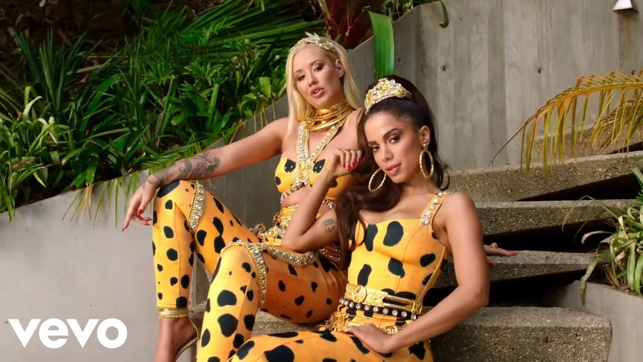 Download Iggy Azalea - Switch (Official Music Video) ft. Anitta
