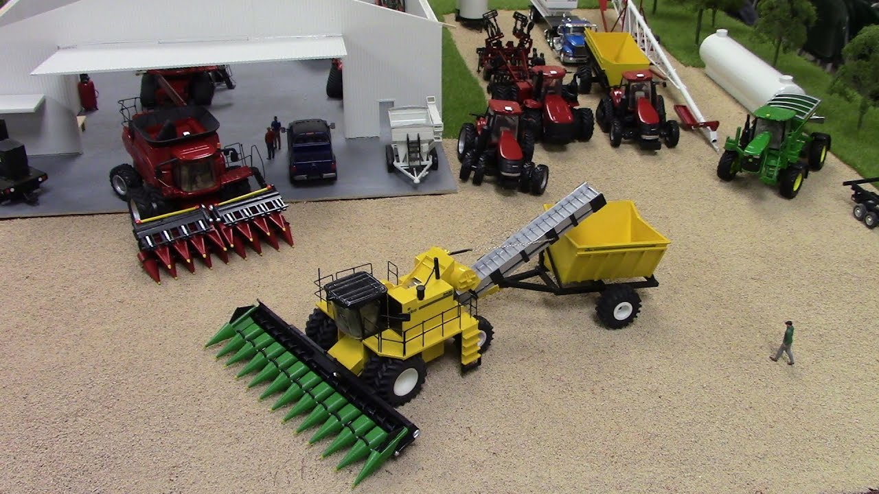 Nic Mcrell S Corn Farm At The 2016 National Farm Toy Show Youtube