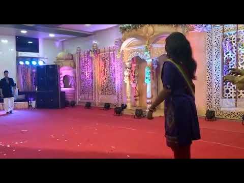 Mere Yaar ki Shadi hai - Performance at Pratip's marriage