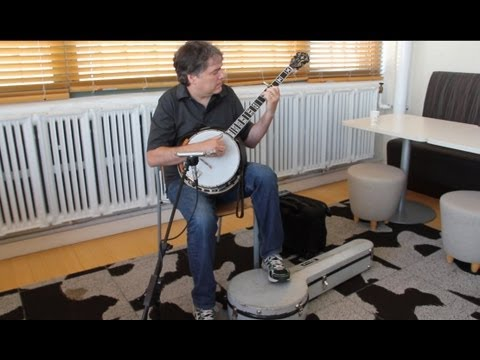 Béla Fleck Performs a Solo Banjo Excerpt from his The Imposter Concerto WQXR Café Concert