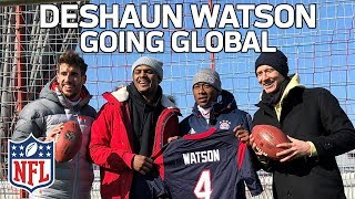 Deshaun Watson Hangs with FC Bayern & Fans in Germany