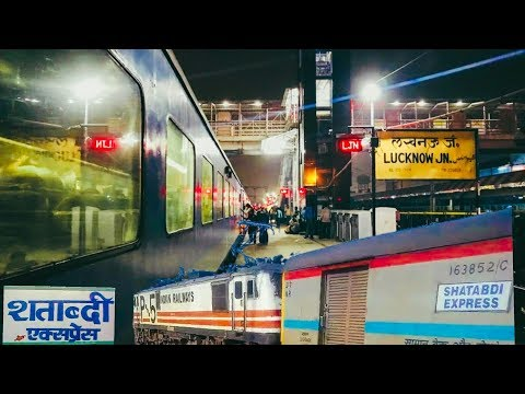 LUXIRIOUS 130 KMPH Journey on IMPORTED German Rake [Swarna Shatabdi] !!